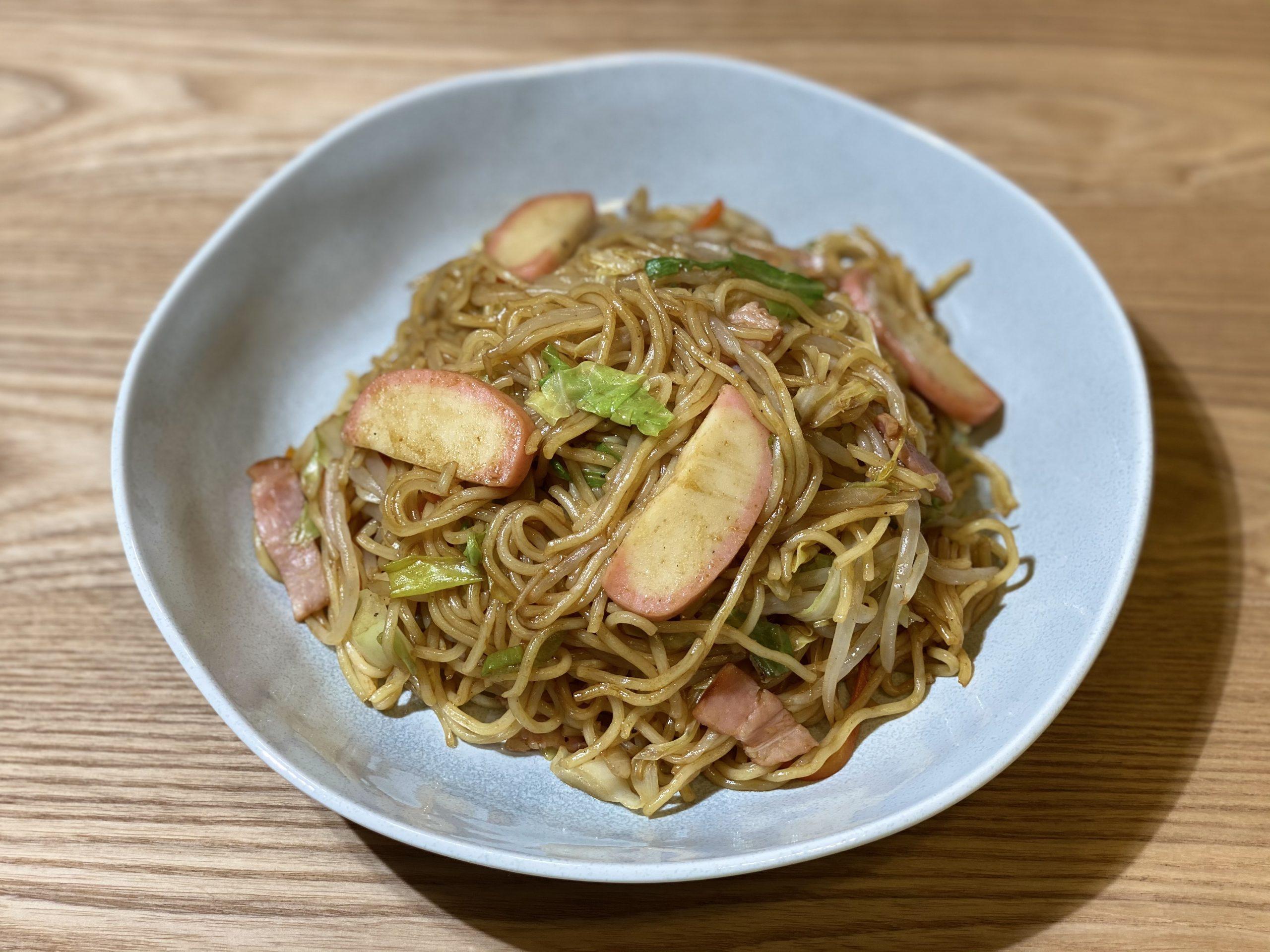Olive家の簡単レシピ | 野菜たっぷり!かまぼこが入った焼きそば