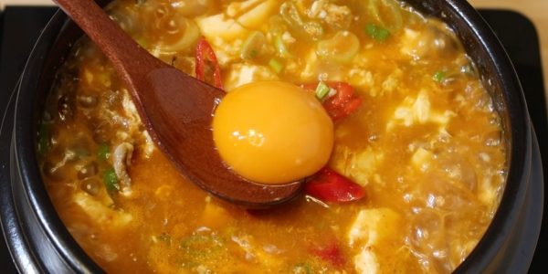 スンドゥブチゲ 作り方 / 純豆腐チゲ | 辛くて美味しい韓国本場のレシピ | Olive家の簡単レシピ